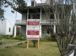 800px-Flickr_-_Infrogmation_-_Customhouse_Auction_Sign