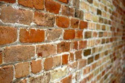 wall-of-bricks-445604_640